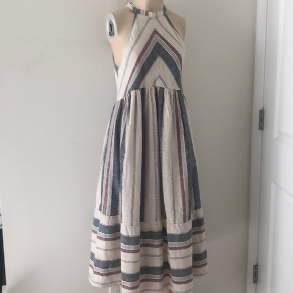 Listicle Dresses & Skirts - Listicle 'The Justine' linen dress.